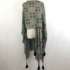 NEW Urban Outfitters Ecote Full Tassel Wrap Scarf